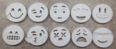 Emoji Face Cookie Cutter - 3D Printed Plastic  1 Piece Mold Cutter   To help you choose the right cutter, I have included a Guide for