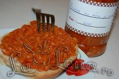 Zacusca de vinete cu mere si miere Romanian Food, Romanian Recipes, Tableware, Canning, Salads, Dinnerware, Tablewares, Dishes, Place Settings