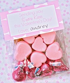 """""""Sending you s'more kisses this Valentine's Day."""" Kids valentine treats, free p… My Funny Valentine, Valentines Day Treats, Valentine Day Love, Valentines For Kids, Valentine Day Crafts, Valentine Stuff, Valentine Desserts, Valentine Party, Holiday Crafts"""