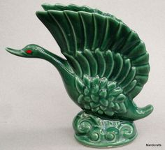 Beauceware Swan Wing Vase Green 1950s Beauce 545 Canada cb Art Pottery 8 inches Vintage