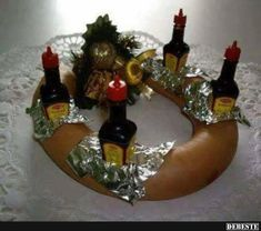 Ornament Wreath, Wine Rack, Funny Pictures, Funny Pics, Christmas Bulbs, Wreaths, Holiday Decor, Home Decor, Fantasy