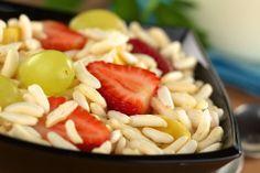Una #colazione leggera e ricca di fibre: riso soffiato biologico Náttúra, da gustare insieme al latte o allo yogurt e alla frutta fresca.  #salute #benessere