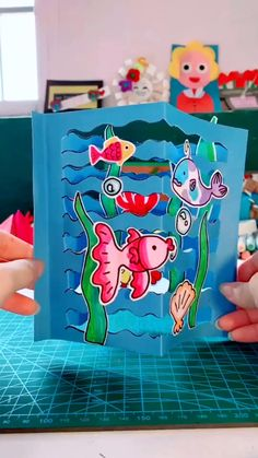 DIY Ocean Card For Kids Animal Crafts For Kids, Paper Crafts For Kids, Craft Activities For Kids, Preschool Crafts, Diy For Kids, Cards For Kids, Diy Crafts Hacks, Easy Diy Crafts, Fun Crafts