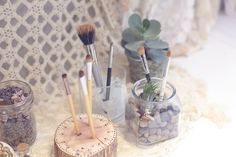 Fun Ideas For Storing Makeup Brushes - Free People Clothing Boutique Blog
