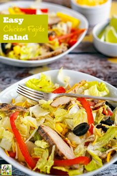 How to Make an Easy Chicken Fajita Salad. This recipe for chicken fajita salad can be made into fajita wraps, too. Click to get this easy salad recipe. (Sponsored by Johnsonville) @jvillesausage