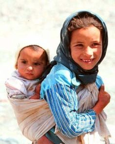 Babywearing in Morocco