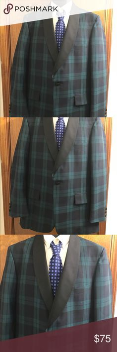 """Jos A Bank Green Black Plaid tartan Blazer Sz 40R Jos.A. Bank CLOTHIERS  Plaid Wool Tartan Check MEN'S Tuxedo Blazer JACKET SZ 40R Green Black Plaid Tartan Blazer 1 Button front 3 Button sleeves Made in USA Chest 22"""" across Waist 20"""" across Sleeves 24.5"""" Shoulders 18"""" Length 32"""" Vent 10"""" Excellent Condition jos a bank Suits & Blazers Sport Coats & Blazers"""