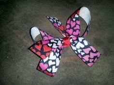 Small heart bow