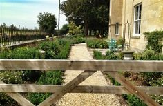 2 Bedroom Farmhouse in Bath to rent from £567 pw. With balcony/terrace, Log fire, TV and DVD.