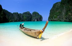 Maya Bay, Ko Phi Phi, Thailand At the Phi Phi Islands was filmed on the beach Leonardo Di Caprio starring film The Beach . Perhaps that's why the beach vie for tourists. Even so, the beach and the coral reefs are worth seeing and experiencing.