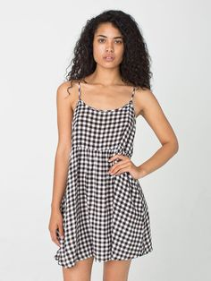 Pin for Later: Man kann es wieder wagen, American Apparel zu kaufen American Apparel Kleid Gingham Babydoll Dress ($50)