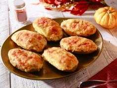 Get Twice-Baked Potatoes Recipe from Food Network Potato Sides, Potato Side Dishes, Veggie Dishes, Vegetable Recipes, Stuffed Baked Potatoes, Twice Baked Potatoes, Baked In Vermont, Food Network Recipes, Cooking Recipes