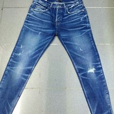 Raw Denim, Blue Denim, Blue Jeans, Denim Pants, Ripped Jeans, Azul Indigo, Jean Genie, Types Of Jeans, Vintage Jeans