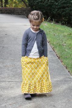 Toddler girl maxi skirt with pockets tutorial.-- love that ruffle on the bottom!