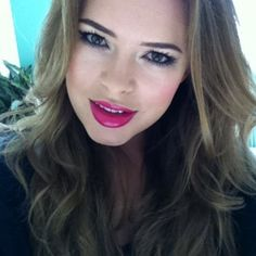 Tanya Burr, makeup artist - is it me or does her hair and make up always look rly good? x