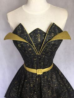 Limited Edition Purple and Gold 'Tulip' Dress and Belt 1950s Fashion Dresses, Vintage Dresses, Rockabilly Fashion, Rockabilly Style, Tulip Dress, Gold Print, Printed Cotton, Tulips, Bodice
