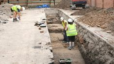 Archaeologists searching under a city centre car park for the lost grave of King Richard III have discovered human remains. King Richard 111, Richard Richard, Tudor History, British History, Ancient History, Asian History, Strange History, History Facts, Historia