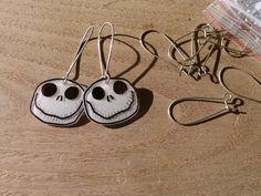 DIY : Une paire de boucles d'oreilles inspirée par Tim Burton