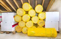 Die Dämmung der obersten Geschossdecke ist eine sehr kostengünstige Maßnahme und bringt viel. Sie trägt dazu bei, die Heizkosten zu reduzieren und bringt