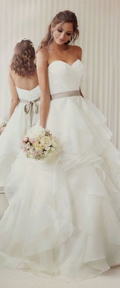 White wedding dress. All brides dream of finding the most appropriate wedding, but for this they need the most perfect bridal gown, with the bridesmaid's outfits enhancing the brides-to-be dress. The following are a variety of tips on wedding dresses.