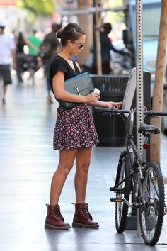 Jessica Alba Lace Up Boots  Jessica's summery style makes these chunky boots look fierce and feminine.  Brand: Doc Martens  browse lo