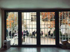 Arian Sadr Kulturhaus.  @erfan_heidari @sanaz_sh89 Auf diesem Foto seht ihr toll aus! . . . . . . #ariansadr #ariansadrkulturhaus #autumn
