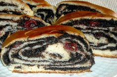 Tészta: l tej 10 dkg zsír 5 dkg élesztő 2 ek cukor 80 dkg finomliszt só… Czech Recipes, My Recipes, Sweet Recipes, Baking Recipes, Holiday Recipes, Cake Recipes, Hungarian Desserts, Hungarian Recipes, Ital Food