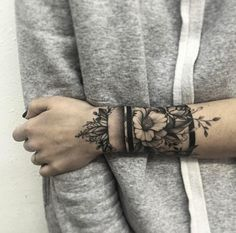 Creative floral cuff by Vlada Shevchenko