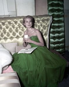 "There's a certain je ne sais quoi that takes a celebrity from being considered really stylish, to being canonized a fashion icon. Jackie O and Marilyn Monroe are members of the exclusive ""icon"" club, but now, let's turn our focus to America's very own Oscar-winning actress turned Princess of Monaco, Grace Kelly. Even before she captured the world's attention for her stunning (and much copied) wedding dress for her marriage to Prince Ranier in 1956, it's her dayti..."