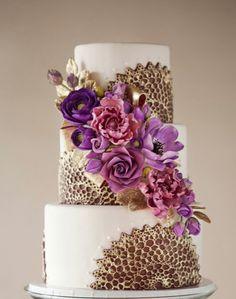 WOW !!! Hermoso pastel de bodas !!! con el toque 2014 con el color RADIANT ORCHID