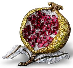 Brooches Jewels : Chaumet pomegranate clip with white fancy yellow and brown diamond in platinum Jar Jewelry, High Jewelry, Jewelry Art, Antique Jewelry, Jewelry Accessories, Vintage Jewelry, Chaumet, Schmuck Design, Fancy