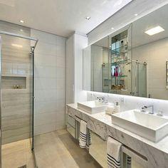 Banheiro clean pra começar a semana! Por Espaco do Traço Arquitetura via @homeluxo
