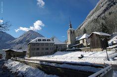 Abbaye de Sixt sous la neige, Sixt-Fer-à-Cheval #hautesavoie A visiter avec les Guides du Patrimoine des Pays de Savoie http://www.gpps.fr/Guides-du-Patrimoine-des-Pays-de-Savoie/Pages/Site/Visites-en-Savoie-Mont-Blanc/Faucigny/Vallee-du-Giffre/Sixt-Fer-a-Cheval