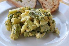 Spargelsalat mit grünem Spargel und Eiern. Und hier ist das Rezept http://wolkenfeeskuechenwerkstatt.blogspot.de/2011/06/spargelsalat-mit-grunem-spargel-und.html