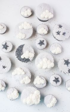 We Love These Cupcakes To The Moon and Back Twinkle Twinkle Litte Star Baby Shower Cupcakes Deco Baby Shower, Baby Shower Cupcakes, Shower Cakes, Baby Boy Shower, Cloud Baby Shower Theme, Star Cupcakes, Themed Cupcakes, Cupcake Cakes, Ladybug Cupcakes