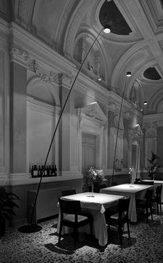 DAVIDE GROPPI Home Lighting Design, Lighting Concepts, Cool Lighting, Interior Lighting, Spot Light, Light In, Lamp Light, Restaurant Lighting, Restaurant Design