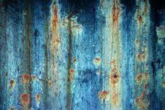 Cómo dar un aspecto antiguo a la pintura metálica | eHow en Español