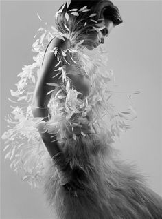 Art pink feather dress pretty-in-pink Feather Fashion, Fashion Art, Editorial Fashion, Pink Fashion, Fashion Shoot, Dress Fashion, Fashion Models, Style Fashion, Glamour