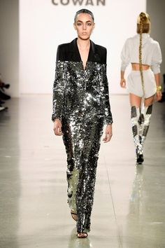 Christian Cowan Fall 2018 Ready-to-Wear Fashion Show Collection Couture Fashion, Runway Fashion, Trendy Fashion, Korean Fashion, High Fashion, Fashion Outfits, Fashion Weeks, Fashion 2018, Fashion Boots
