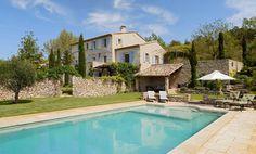 Le #Mas du Luberon, #Provence. #maison #pierre #piscine #construction  http://www.m-habitat.fr/plans-types-de-maisons/types-de-maisons/les-bastides-provencales-3123_A