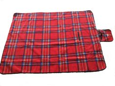 Looking for a great present?  Check out this really nice picnic blanket on Amazon.co.uk.  Cozy, practical, good-looking - what more could one want? Camping Blanket, Picnic Blanket, Outdoor Blanket, Uk Deals, Beach Camping, Really Cool Stuff, Tartan, How To Look Better, Cozy