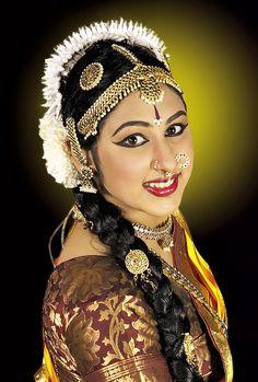 Indian Classical Dance, Exotic Women, Captain Hat, Dancer, Wonder Woman, Culture, Poses, Superhero, Portrait