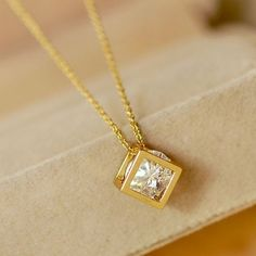 Cubic Alloy Zircon 18K Gold Plated Crystal Pendant Women's Necklace - Necklaces