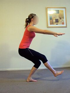 Glute activation is essential - whether you want to squat more, walk pain-free or get rid of nagging low back or knee pain, these exercises are for you. Knee Sprain Treatment, Arthritis Treatment, Knee Strengthening Exercises, Yoga Exercises, Stretches, Bursitis Hip, How To Strengthen Knees, Arthritis Exercises, Hip Arthritis