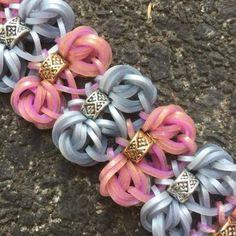 Ribbon Bracelets, Rainbow Loom Bracelets, Braided Bracelets, Dollhouse Miniature Tutorials, Dollhouse Miniatures, Fish Tail, Loom Bands, Arts And Crafts, Crafting