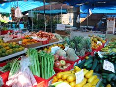 colourful!! market at wailuku, maui. Best place to buy your tropical floral bouquet.