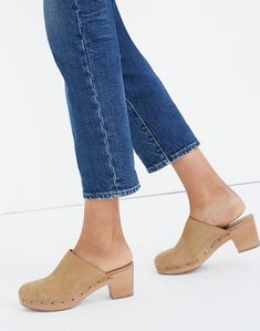 Emmett Wide-Leg Crop Jeans in Langston Wash Wide Leg Jeans, Cropped Jeans, 90s Fashion, Fashion Shoes, Ugly Shoes, Women's Shoes, Summer Trends, Vintage Looks, Heeled Mules
