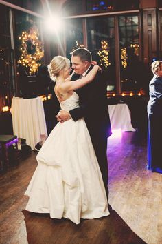Beautiful first dance photo! // Photo by Jeannine #firstdance #WeddingPhotographerMinnesota