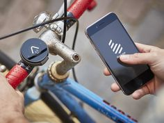 BeeLine is a stripped back, intuitive, navigation device designed to put the cycling masses back in control of their journey #Cycling #Navigation