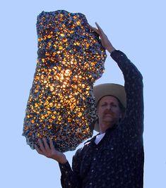 Pallasite, Gema preciosa formada por meteoritos.